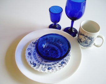 Vintage Place Setting, Mix and Match, Blue and White, Blueware, Cobalt blue, Libbey, Arcoroc, Corelle, J G Meakin, Churchill China
