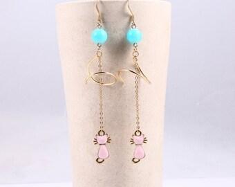 Jewel spiral earrings,The cat jewelry,Green gems Pink cat,It's very beautiful