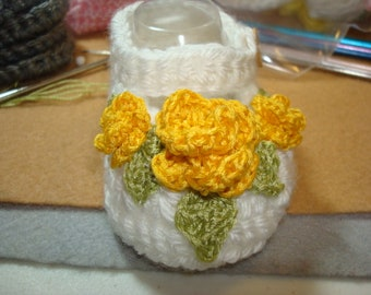 "Yellow Rose Garden "" crochet baby booties ~ size 0-3 months"