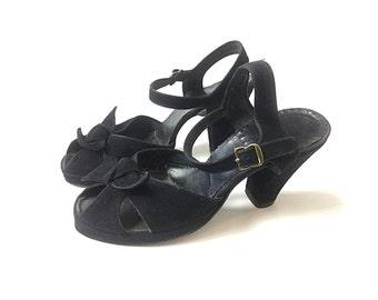 1940s shoes 40s shoes black shoes 1940s heels 40s heels black heels Black pumps suede vintage 1940s shoes vintage 40s shoes womens shoes