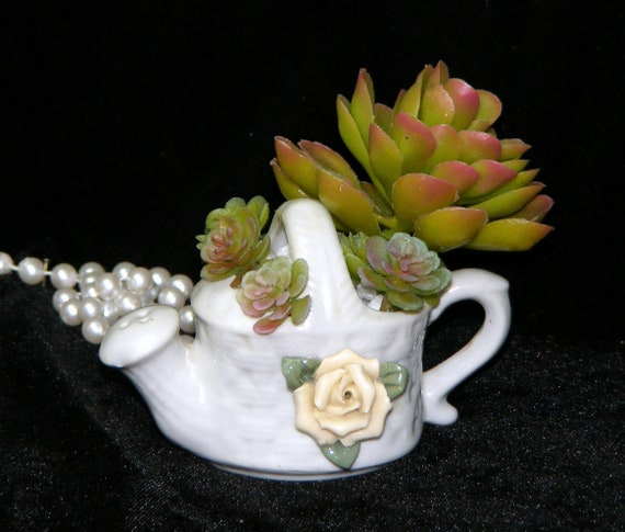 Adorable Ceramic Watering Can TINY TREASURE