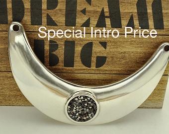SPECIAL Offer - Beautiful SWAROVSKI Crystal Rock Necklace Bar - Designer Quality - STUNNING - High Polished Finish - Qty.1