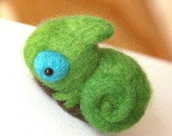 Miniature Chameleon Magnet -Felted Chameleon Magnet-Needle felted Chameleon Magnet-Cameleon Doll-Animal Magnet-Animal Home Decor
