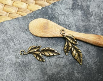 Pendants large leaf brass, 40 x 17 mm