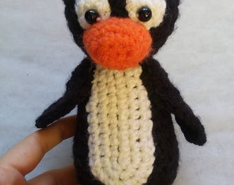 19 cm Penguin - Crocheted Stuffed Toy