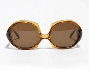 Christian Dior vintage sunglasses - 645 - 80s designer sunglasses for women in new old stock condition with new lenses