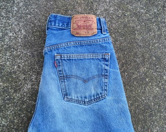 34x32 Levis 501s made in USA America American made 501 jeans Levis 34 32 medium blue distressed denim well worn thrashed 80s 1980s 90s 1990s