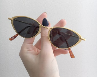 90s NOS Cat Eye Sunglasses : 2 Different Frame Colors Available