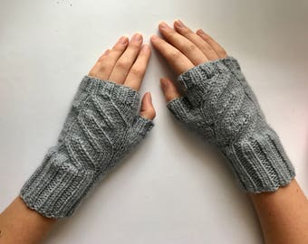 Handknitted Women's Pure Wool Grey Fingerless Mitts