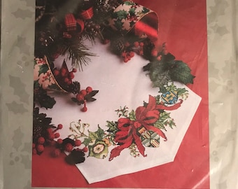 "Candemar Designs Inc. - Something Special Table Decor ""Old fashioned ornaments"" Tablerunner kit 50612. Finished size 13"" x 28""."