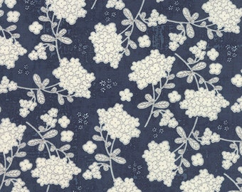 Moda - Garden Project by Tim and Beck Vintage Floral in Blueberry 39552-18