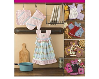 SIMPLICITY Pattern 8109 Towel Dresses, Pot Holders and Oven Mitts Size: One Size