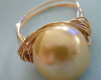 Pearl Ring. BUTTERY DELIGHT. yellow glass pearl and brass cocktail ring
