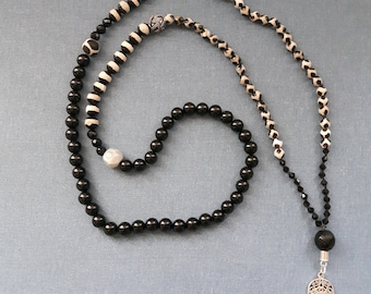 Leopard print Mala,108 beads necklace,Black and white Mala,Black onyx long necklace with 925 silver Hamsa pendant,Spiritual healing necklace