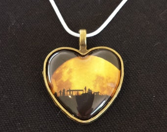 Heart shaped Moon Silhouettes pendant necklace