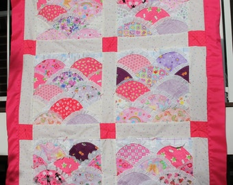 Pink and Lavender Lacy Scalloped Girl's Quilt