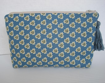 Makeup bag, Cosmetic bag, Travel bag, Jewelry Pouch, Pencil Bag, Handmade, Zipper pouch, Tassel, Purse Organizer, Bridesmaid gift