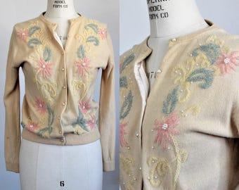 Vintage 1950s Ivory Beaded Cardigan Sweater / Cream Sweater with Beading / Beads
