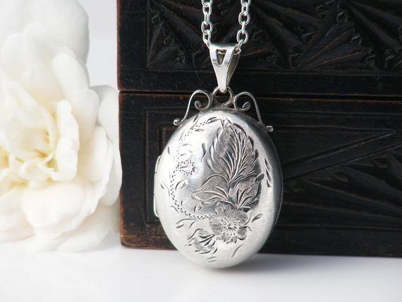 Sterling Silver Vintage Locket | Oval Locket Necklace | 1978 English Hallmark Memento Locket, Forget-Me-Not Flowers - 30 Inch Sterling Chain