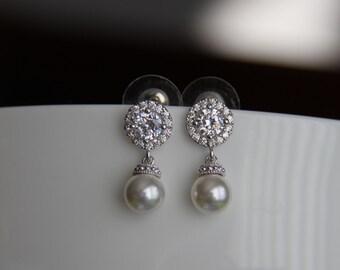 FREE US SHIPPING - Bridal earrings, cz earrings, wedding earrings, bridesmaid earrings, bridal jewelry, wedding jewelry, cz jewelry, dangley