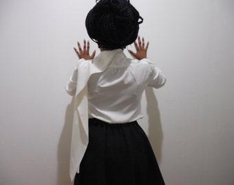 SALE Carolina Herrera silk tie blouse missing a button