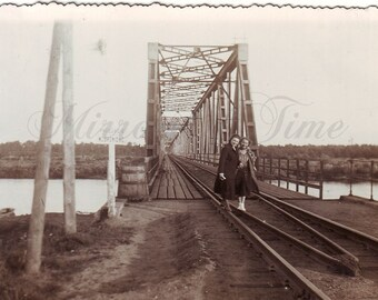 Vintage Photo - Women Photo - Railway bridge - River - Vintage Snapshot - Polish Photo - Woman Fashion - Woman Style - 1950s fashion
