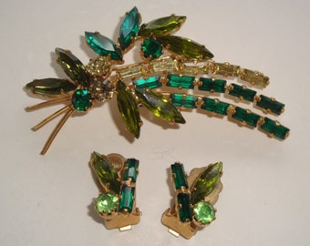 Vintage Weiss Emerald Green and Peridot Rhinestone Demi Parure - Brooch and Clip Earrings