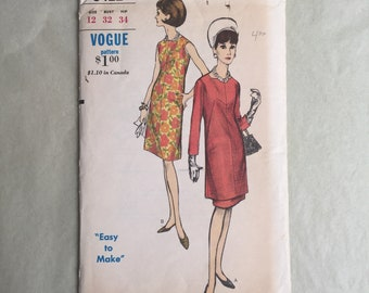 Vintage 60's Sewing Pattern, 60's Dress Pattern, Day Dress, Cocktail Dress,  Vogue 6422, Bust 32, XS or SMALL, Sheath, Tunic, Jackie Kennedy
