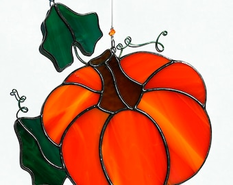 stained glass orange pumpkin suncatcher, stain glass pumpkin ornament, Halloween suncatcher, fall decoration, pumpkin vine, glass pumpkin