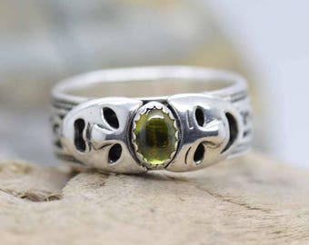 "Green Peridot Sterling Silver Drama Masks Gemstone band Ring "" theater comedy tragedy "" Handmade for you"