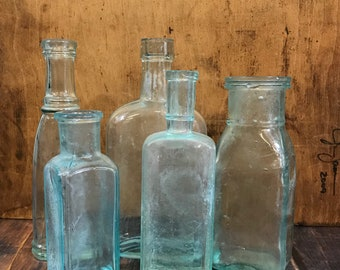 Seafoam Green Glass Antique BOTTLES (5) Instant Collection Bottle Lot- Apothecary Jars- R86