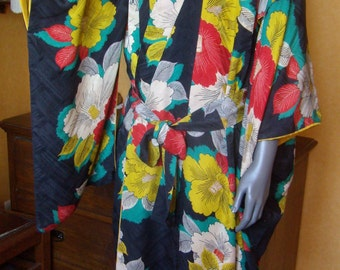 Handmade vintage Japanese Kimono silk from the 50's gown. Bright Japanese print. Flowers, foliage, early jazz.