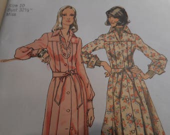 Vintage 1970's Simplicity 5909 Dress Sewing Pattern Size 10 Bust 32.5