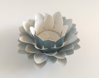 Paper Lotus Lantern -Metallic Light Blue-