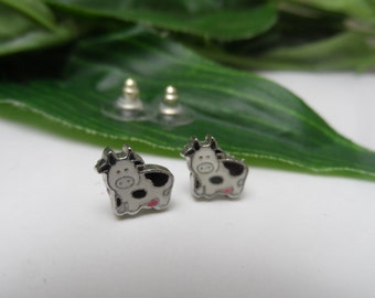 Cow Stud Earrings, girls earrings, cow earrings, birthday gifts, stud earrings, girls birthday gifts, novelty earings