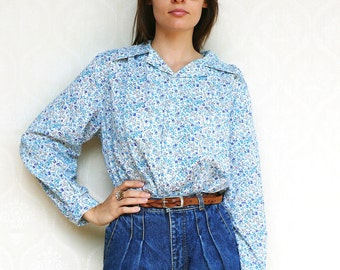 "Vintage floral shirt, small medium large - blue meadows. . . . . . . ""Like"" our fb page for 10% discount"