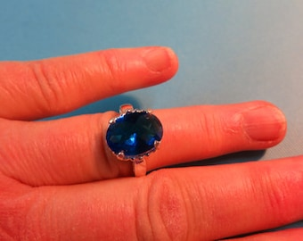 Super Swiss Topaz Ring - Size 6 3/4 Beautiful Blue & Sterling Silver Ring - Filigree Lightweight Ring