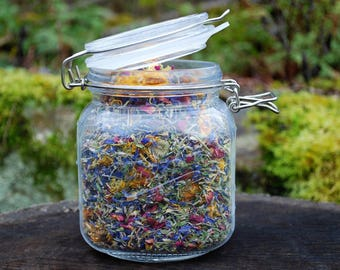 Herbal Hodgepodge- A Blend of Dried Organic Herbs and Edible Flowers for Chicken Coops & Nest Boxes
