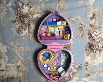 Vintage 1993 Bluebird pink heart shaped polly pocket ~ Kozy Kitties ~ compact ~ mo doll