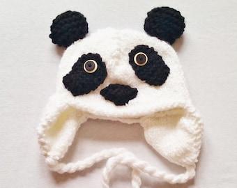 Schattig Handknit Panda hoed voor Kids - beste verkoper - Black & White Winter muts met oorkleppen en kwasten