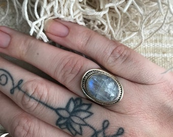 Sterling silver ring moonstone size 17,5