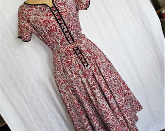 Cute Vintage 1950s Cotton Summer Day Dress