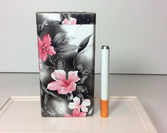 "One Hitter Dugout Tropical Flower Pink Hibiscus Black & White Material Fabric on Wood Spring Loaded 4"" Tobacco Box Case + 3"" Digger Bat Pipe"