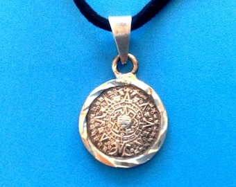 Vintage! Lovely sterling silver black cord pendant necklace Mayan or Aztec calendar ?