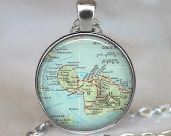 Maui map necklace, Maui map jewelry Maui map jewellery traveler's gift Maui pendant vacation memento key chain key ring key fob