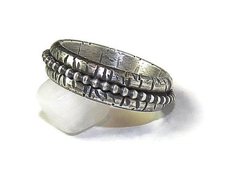 Sterling Spinner Meditation Ring, Fidget Ring in Rustic Style, Stackable Silver Spinner Ring R159