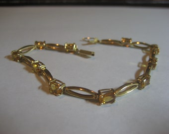 Exquisite 14K Solid gold Bracelet with beautiful yellow stones Estate find