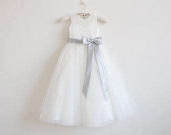 Light Ivory Flower Girl Dress Silver Baby Girls Dress Lace Tulle Flower Girl Dress With Silver Sash/Bows Sleeveless Floor-length