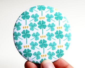 Pocket mirror - green clovers