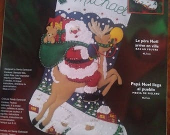 Christmas Stocking - Santa's Coming To Town - Bucilla